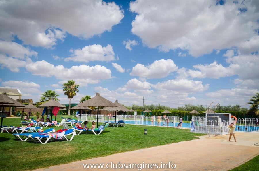 apertura-piscina-club-san-gines-marchena